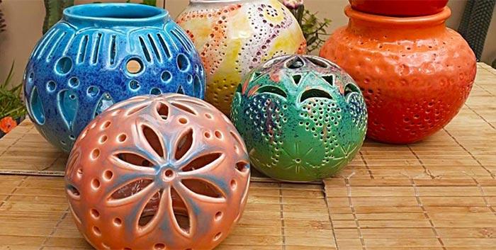 Esferas caladas de cerámica